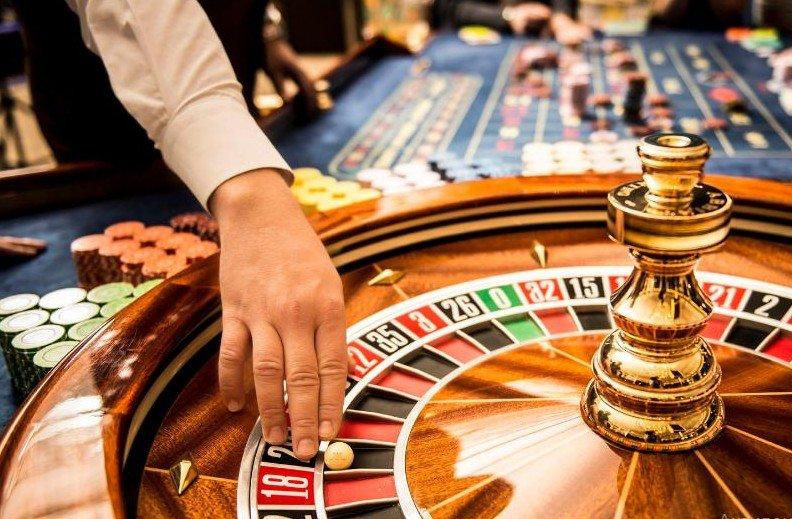 В Вулкан Платинум казино можно играть в бесплатные игровые автоматы круглосуточно