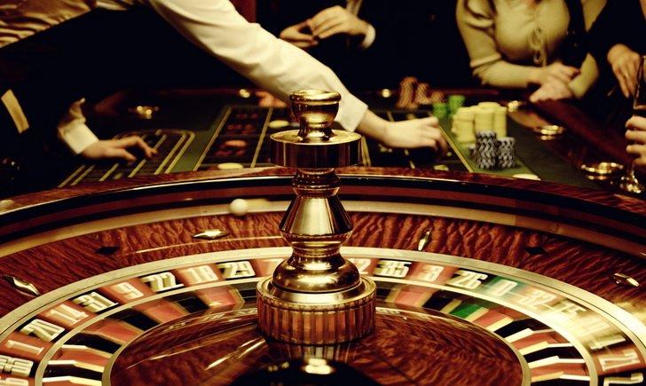 В казино Вулкан Рояль вас ждет множество побед в азартных играх